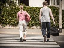 Les couples équipent et femme avec des sacs de sport Images libres de droits