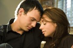 les couples aiment des jeunes Photo stock