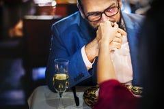 Les couples célèbrent le jour du ` s de valentine ensemble Photographie stock libre de droits