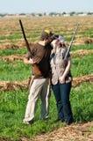Les couples de chasse de colombe montrent leur amour Photographie stock libre de droits