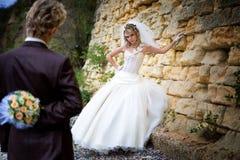 Les couples gentils près stonewall Image libre de droits