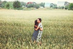 Les couples heureux Images stock