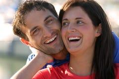 Les couples ont l'amusement et le bonheur photographie stock libre de droits
