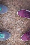 Les couples sont dans un voyage Photo libre de droits