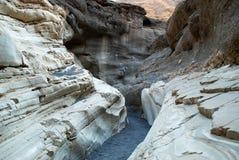 Les courbures des pierres dans Death Valley Photo libre de droits