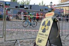 Les coureurs sont sur des chasseurs de colline de Red Bull photos stock