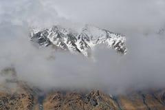 Les crêtes neigeuses du Caucase Image libre de droits