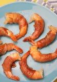 Les crevettes ont roulé dans le prosciutto Photos stock