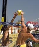 les crocs d'avp voyagent le volleyball Photos libres de droits