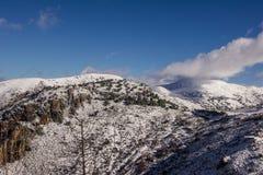La sierra le cubierta de de Nevada nieve Photos libres de droits