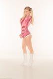 Les culottes rouges et blanches blondes sexy de chemise court-circuite Photos stock