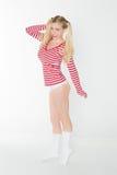 Les culottes rouges et blanches blondes sexy de chemise court-circuite Images stock