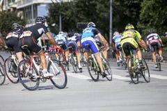 Les cyclistes concurrencent dans les rues centrales de Salonique pendant le t Photos libres de droits