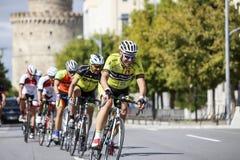 Les cyclistes concurrencent dans les rues centrales de Salonique pendant le t Photographie stock