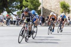 Les cyclistes concurrencent dans les rues centrales de Salonique pendant le t Image libre de droits