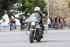 Les cyclistes concurrencent dans les rues centrales de Salonique pendant le t Photos stock