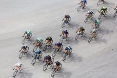 Les cyclistes concurrencent dans les rues centrales de Salonique pendant le t Photo stock