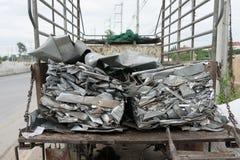 Les déchets d'aluminium se préparent à réutilisent Images stock