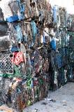 Les déchets de plastique ont écopé les déchets Photos libres de droits