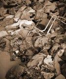 Les déchets et les chiffons dans l'abri du sans-abri après obligatoire expulsent Photographie stock