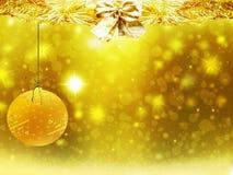 Les décorations d'étoiles de neige de jaune de boule d'or de Noël de fond brouillent la nouvelle année d'illustration Images libres de droits