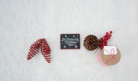 Les décorations de Noël blanc apporte la vue la plus douce pour les décorations à la maison photos stock