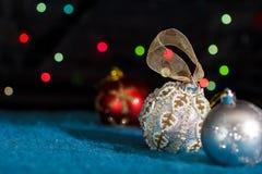 les décorations de Noël ont placé l'arbre Photo libre de droits