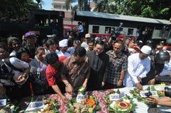 Les défenseurs célèbrent la victoire du jokowi de candidat présidentiel photographie stock