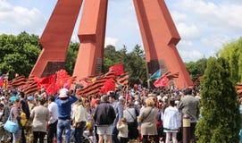 Les défenseurs Pro-russes arrivent au mémorial de Chisinau Photos libres de droits