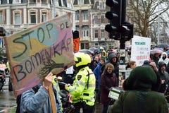 Les démonstrations marchent pour des politiques plus fortes de changement climatique aux Pays-Bas images libres de droits