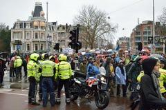 Les démonstrations marchent pour des politiques plus fortes de changement climatique aux Pays-Bas images stock