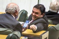 les députés d'état discutent les lois dans l'assemblée législative image libre de droits