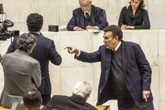 les députés d'état discutent les lois dans l'ensemble législatif de l'état de Sao Paulo images libres de droits