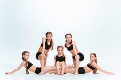 Les danseurs d'école de danse d'enfants, de ballet, de hiphop, de rue, géniaux et modernes Images stock