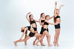 Les danseurs d'école de danse d'enfants, de ballet, de hiphop, de rue, géniaux et modernes Photo libre de droits