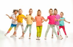 Les danseurs d'école de danse d'enfants, de ballet, de hiphop, de rue, géniaux et modernes image libre de droits