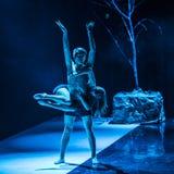 Les danseurs de Caro Dance Theatre exécutent sur l'étape Images libres de droits