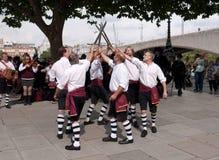 Les danseurs de Morris exécutent chez le Southbank Photos stock