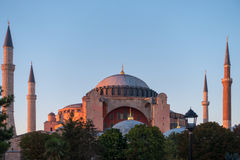 Les derniers rayons du soleil illuminant Hagia Sophia Photo libre de droits