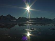 Les deux soleils, Antarctique Photo stock