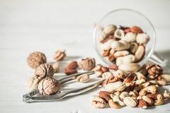 Les différentes noix se ferment vers le haut photo stock
