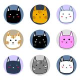 Les différents visages colorés mignons de chat dans le style de bande dessinée de cercles dirigent l'illustration Photographie stock libre de droits