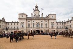 Les dispositifs protecteurs de cheval défilent à Londres Photographie stock libre de droits