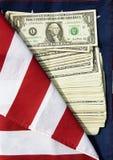 Les dollars américains sur l'indicateur américain Photos libres de droits