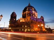 Les DOM de Berlin à la tombée de la nuit Photos libres de droits