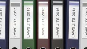 Les dossiers multiples de bureau avec des procès textotent différentes années de labels illustration libre de droits