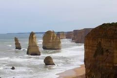 Les douze apôtres dans la grande Australie de route d'océan Images stock