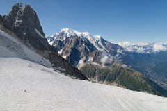 Les Drus und Mont Blanc Stockfoto