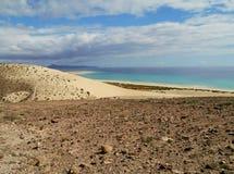 Les dunes blanches de Costa Calma sur Fuerteventura Photographie stock libre de droits
