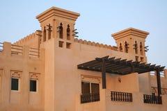 LES EAU. Le Ras al-Khaimah. Hôtel et plage r de fort de Hamra d'Al Images stock